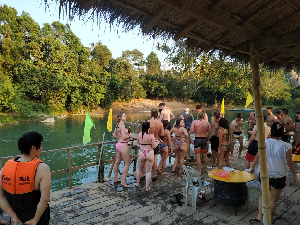 Tubing 2019 Vang Vieng